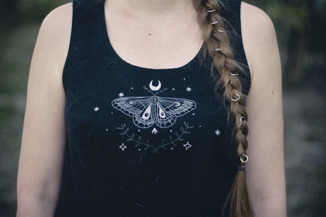 moth-top