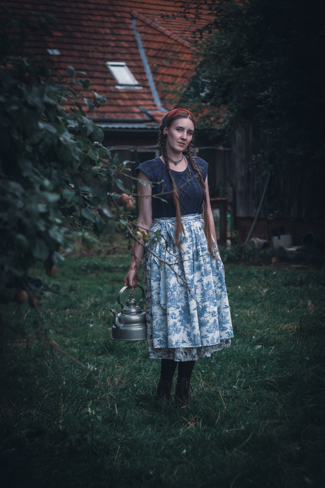 Outfit mit Schürze
